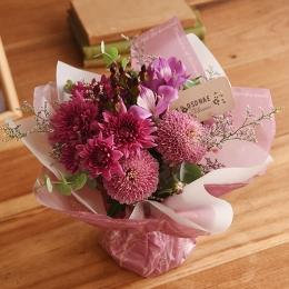 【日比谷花壇】【お供え用】O・SO・NA・E flower 「11月のそのまま飾れるブーケ」
