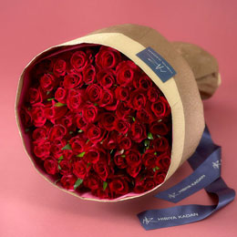【日比谷花壇】60本の赤バラの花束「アニバーサリーローズ」