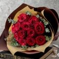 【日比谷花壇】12月に贈る花言葉 花束「品種指定バラ『アマダ』12本(ダズンローズ)」